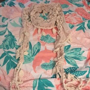 Cream lace and knit scarf